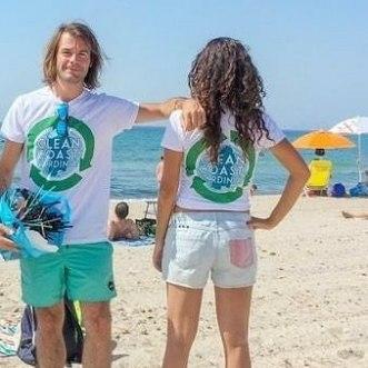 Daniel e Noemi hanno aiutato di pulire Poetto 25 07 2018