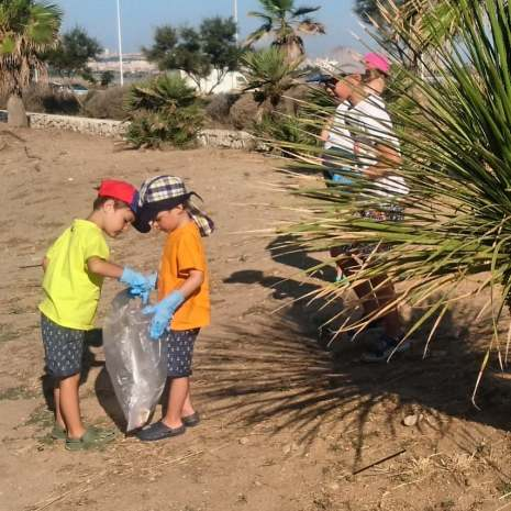 Poetto beachcleanup 28 07 2018 kids