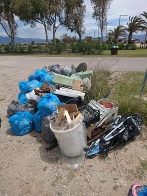 rifiuti raccolti beach clean up Poetto Cagliari 19 maggio 2019