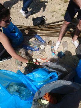 facciamo la differenziata dei rifiuti raccolti - Clean Coast Sardinia