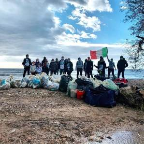 volunteers in action Clean Coast Sardinia Jan 2021
